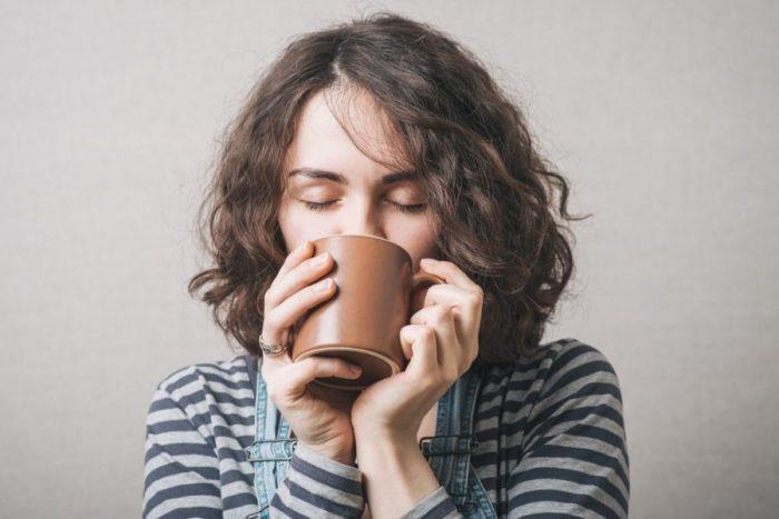 caffeine molecule, caffeine, morning brew, metabolite, AEA, 2AG, immune function, endocannabinoid system wake up, nerves, health, cannabis, medical cannabis