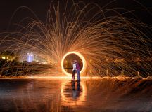 Having fun light painting with steel wool and long exposure