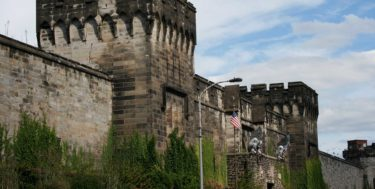philadelphias_eastern_state_penitentiary_main_gate