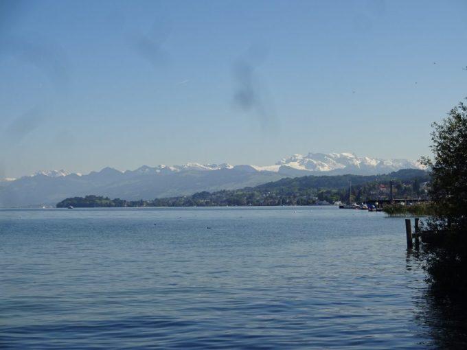 チューリッヒ湖到着