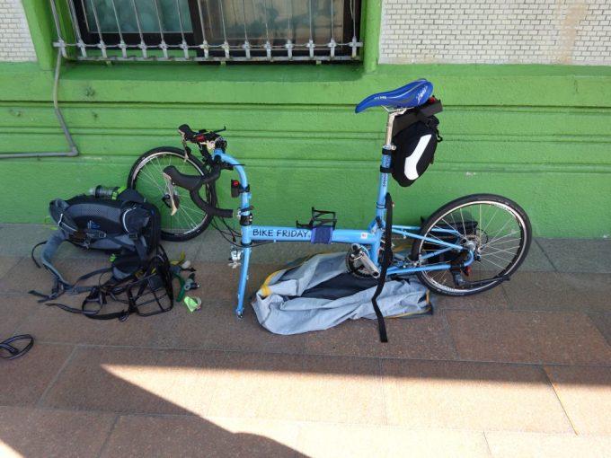 二水駅で自転車を組み立て