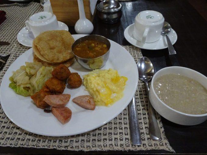 ポカラのホテルダンデライオンの朝食
