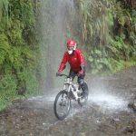 ラパス近郊、ユンガスの道をマウンテンバイクで下るデスロードツアー 南米旅 7日目その4