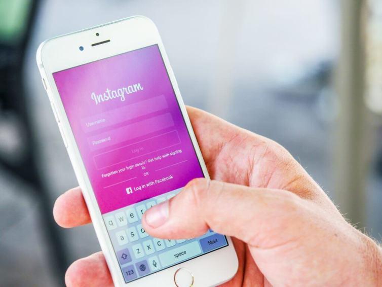 Guadagna online Diventa un influencer su Instagram Freelance