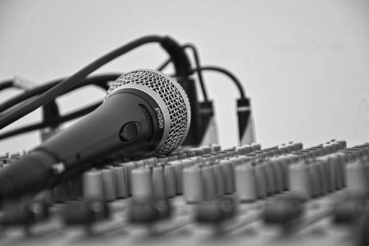 Guadagna online Prestare la tua voce a Voice-Overs Freelance
