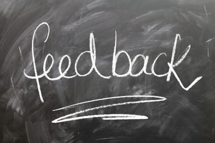 Guadagna online Scrivi recensioni sui luoghi in cui sei stato freelance