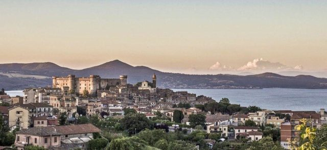 Bracciano - panorama miasta