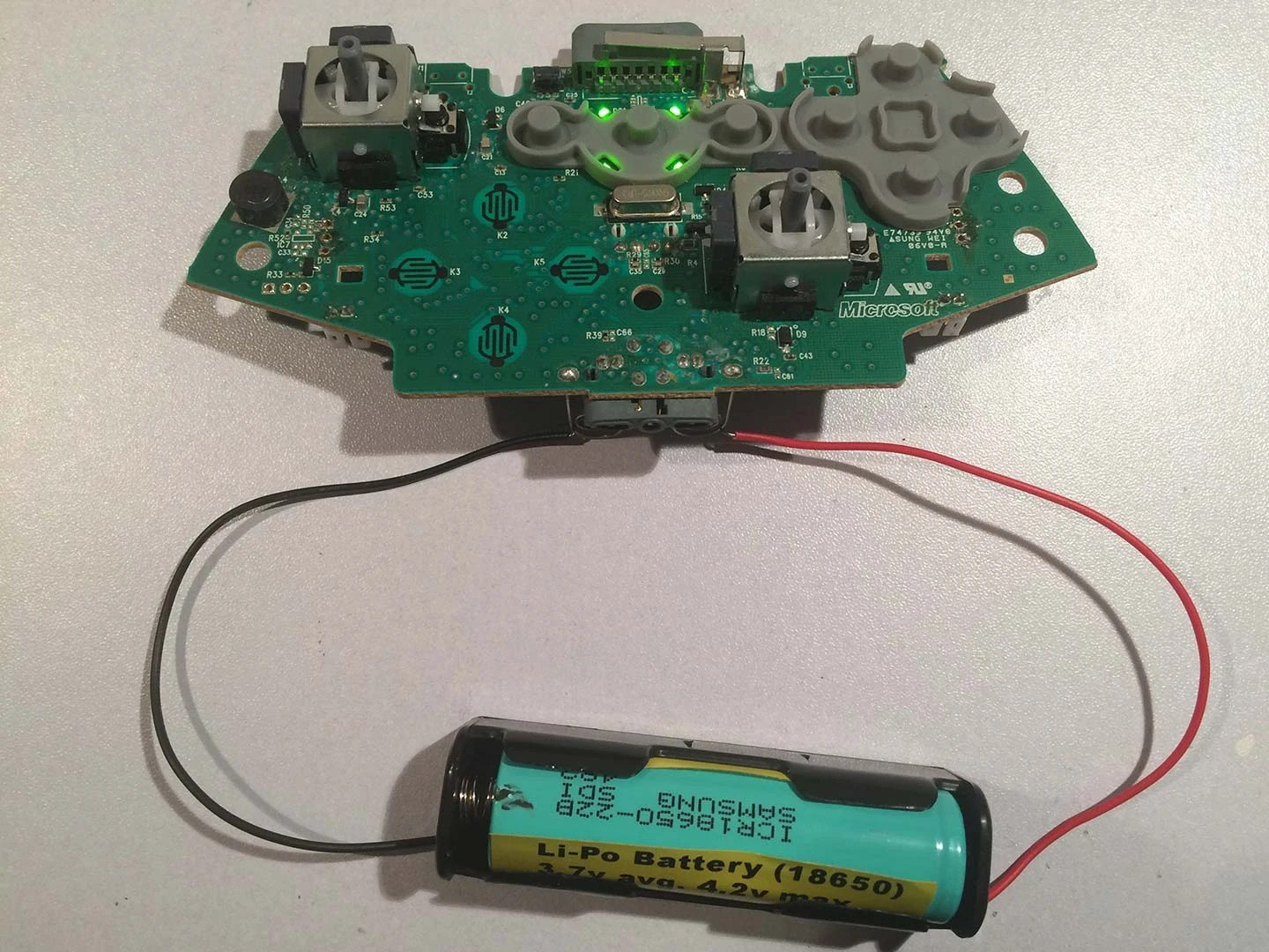 hight resolution of li po lithium battery test on a xbox 360 controller