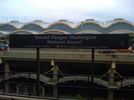 ronald reagan airport metro.jpg