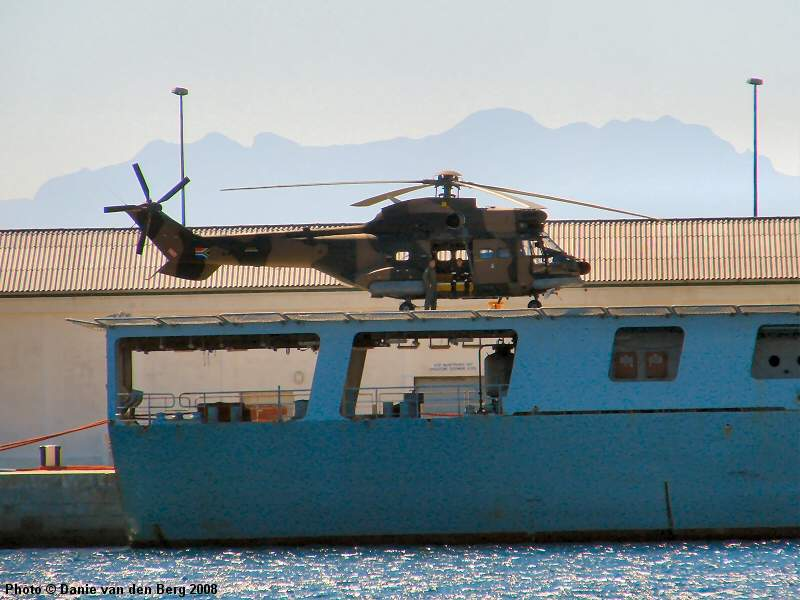 https://i0.wp.com/www.sa-transport.co.za/military/navy/san/a-301_sas_drakensberg_05_dvdb08.JPG