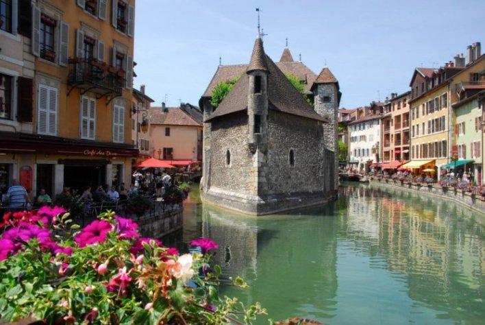 معالم مدينة انسي في فرنسا   سائح