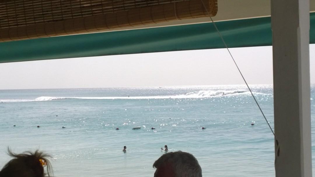 Viimeisenä päivänä syntyi tällaisia spotteja. Tähän kohtaan alkoi pumppaamaan yhtä, puhdasta aaltoa. Ei mikään jätti-iso, mutta aika hieno kuitenkin!