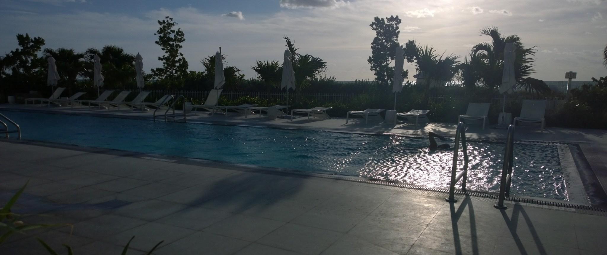 Aamulla kävimme vielä toisen kuntosalikeikan (urheilukisa puskee päälle!!) ja Jaakko kävi uimassa.