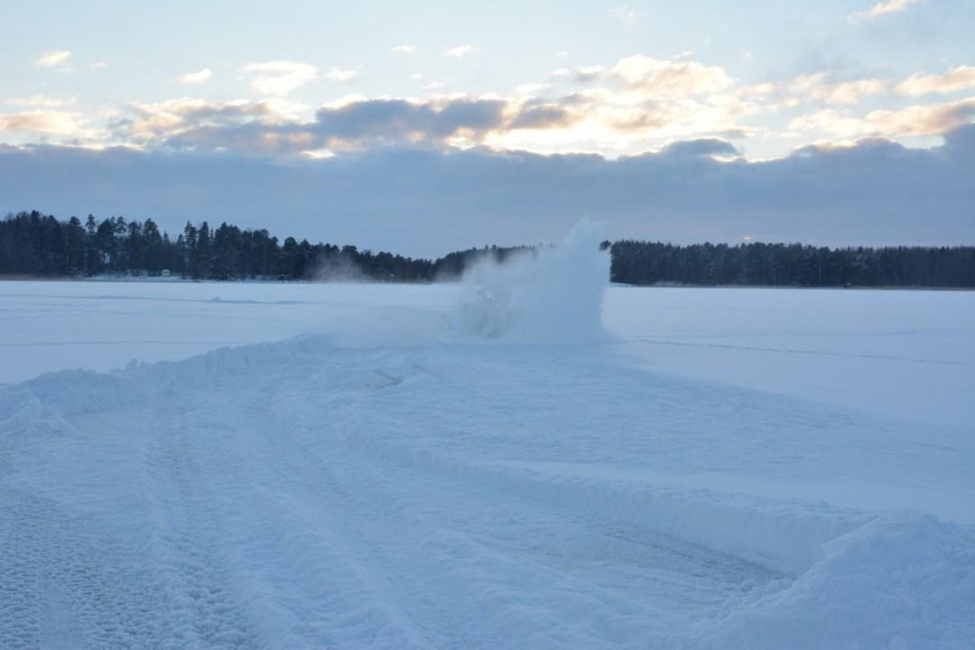 Ja sitten Jaakko katosi lumipilveen!