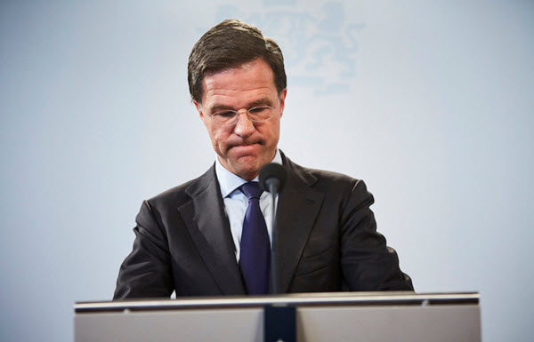 Mark Rutte makes a statement after meeting ministers to discuss the Brussels bombs. Photo: Phil Nijhuis / HH Read more at DutchNews.nl: Brussels bombs an 'attack on our freedom' says Dutch prime minister. Photo: Phil Nijhuis / HH