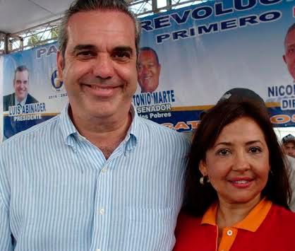 Aura Perata y Luis Abinader (Foto: FE).