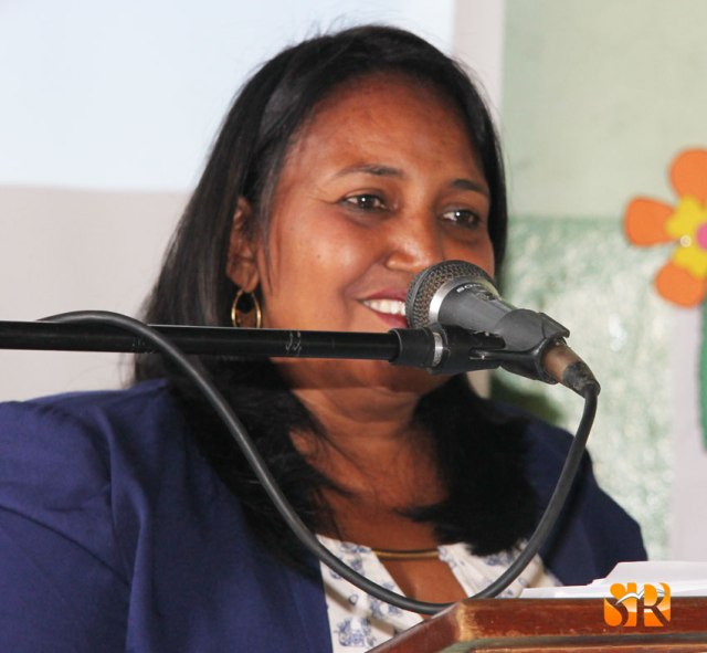 Profesora Doris Torres - Directora Escuela Caimito.