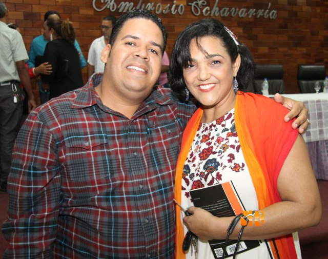 Carlos Pilarte y Sandra Fernández