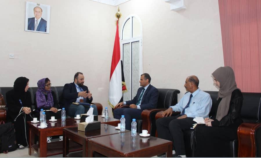 نائب وزير الخارجية يبحث مع المنظمة الدولية للهجرة تعزيز التعاون المشترك