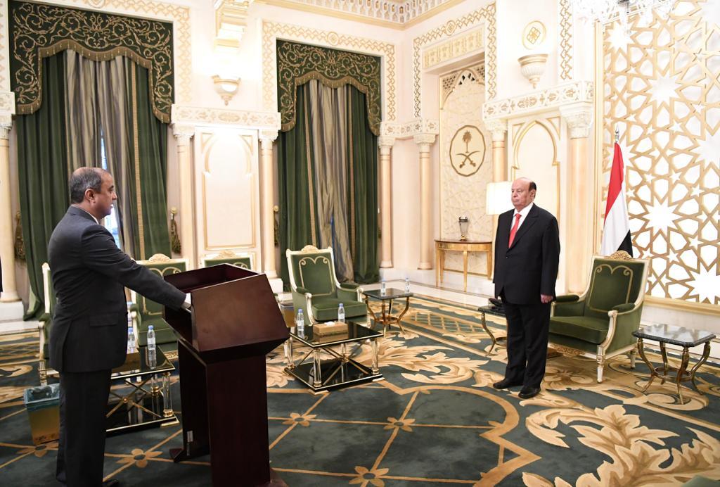 وزيرا الخارجية والمالية يؤديان اليمين الدستورية أمام رئيس الجمهورية
