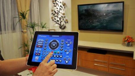 controlando aparelhos eletrônicos de um único lugar