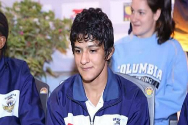 Today will face two phogat sisters in sports steels