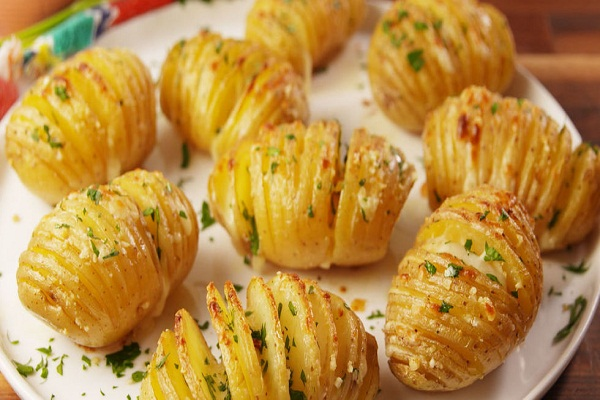 Garlic potatoes made in DINNER