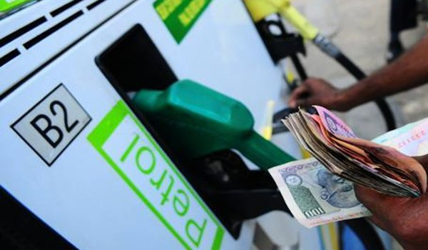 Petrol prices breach Rs 71-mark in Delhi, highest in 3 years
