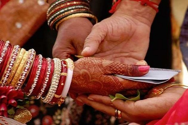 Here the bride has to go for a night before the wedding. In-laws, the reason will surprise you.