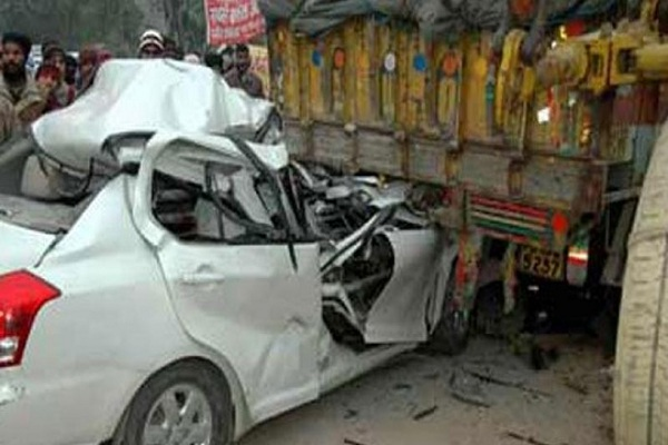 The collision between the vehicles, the condition of two drivers is not well