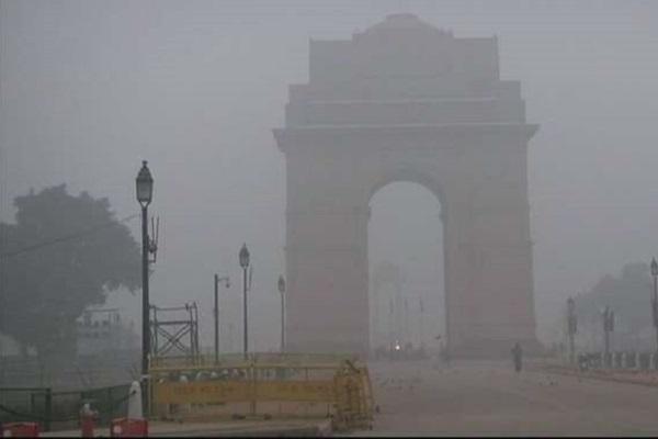 Light mist, 8 trains canceled in Delhi
