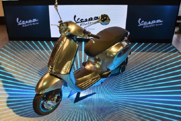 Piazio presented the voice at the Auto Expo, an electric scooter powered by Vespa Electricica