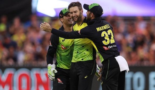 Australia beat England by 7 wickets in T20 Triangular Series match