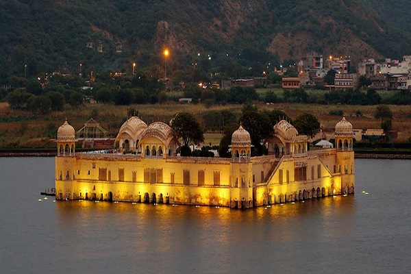 Tours of the palace floating in water of Rajasthan
