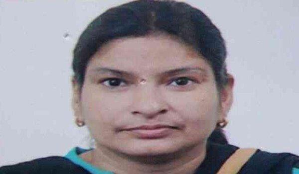 Former Minister Baleshwar Tyagi's daughter-in-law sunita