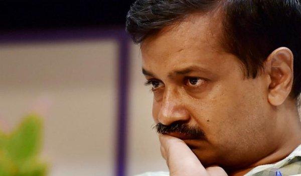 Arvind Kejriwal says sorry to Nitin Gadkari and Kapil Sibal