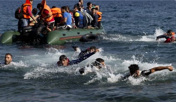 Migrant crisis: At least 15 die as boat capsizes off Greece
