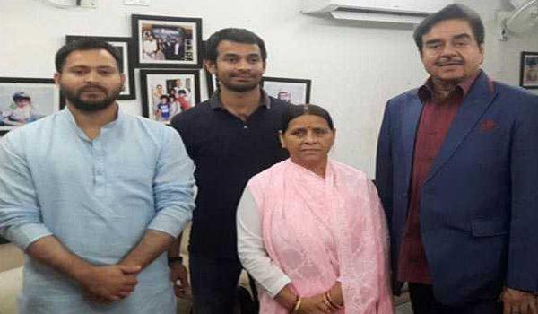 BJP MP Shatrughan Sinha meets rjd leader Rabri Devi