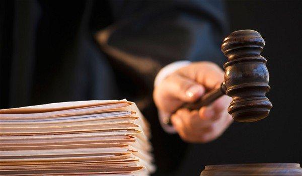 Fodder scam : cbi court sentences 37 accused to jail in Dumka Treasury case