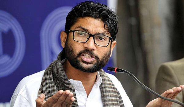 Jignesh Mevani detained at Jaipur Airport for few hours