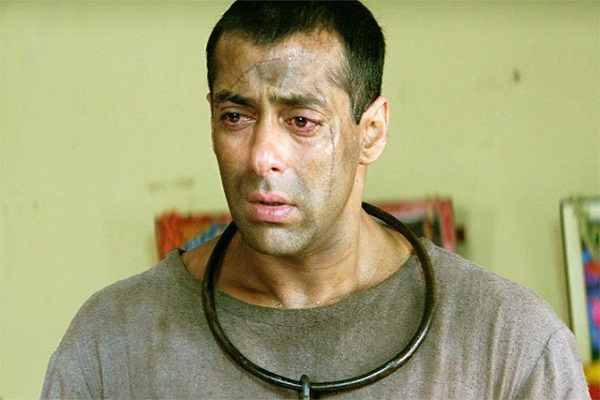 OMG Tiger jailed will take crores of rupees at stake