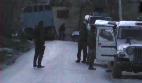militant killed in encounter in kashmir's Anantnag; gunfight in shopian