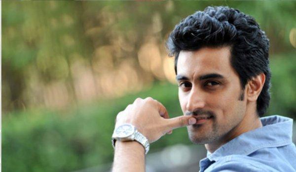Kunal Kapoor plays drama teacher in his next, Noblemen