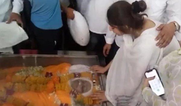 Spiritual leader bhayyuji Maharaj funeral in indore