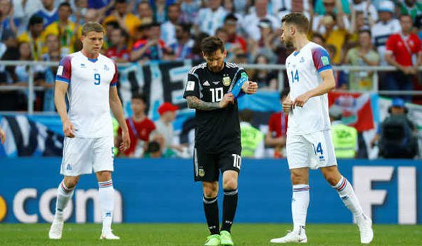 Messi misses penalty, Iceland holds Argentina to 1-1 draw