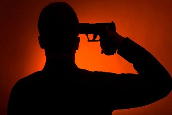 पत्रकार के परिजनों की सुरक्षा में तैनात जवान ने गोली मारकर आत्महत्या की