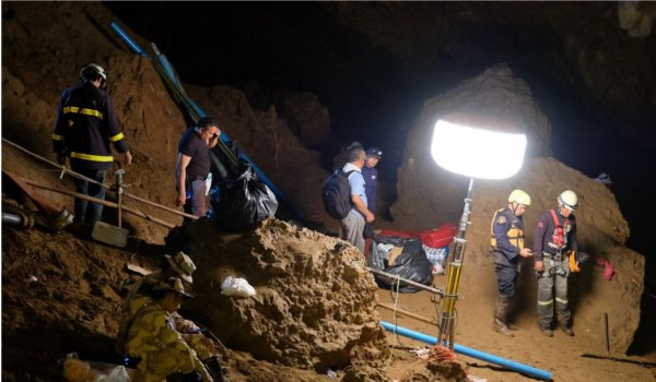 Missing youth soccer team found alive in Thai cave