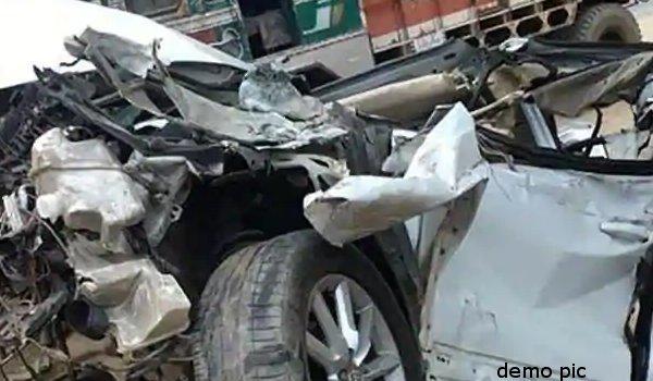 four killed as car-truck collision in jodhpur