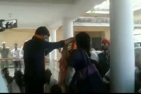 Police get Former MP's son married in Lalganj police station in mirzapur