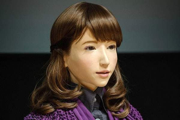 ERICA-ROBOT top famous robots in the world in hindi